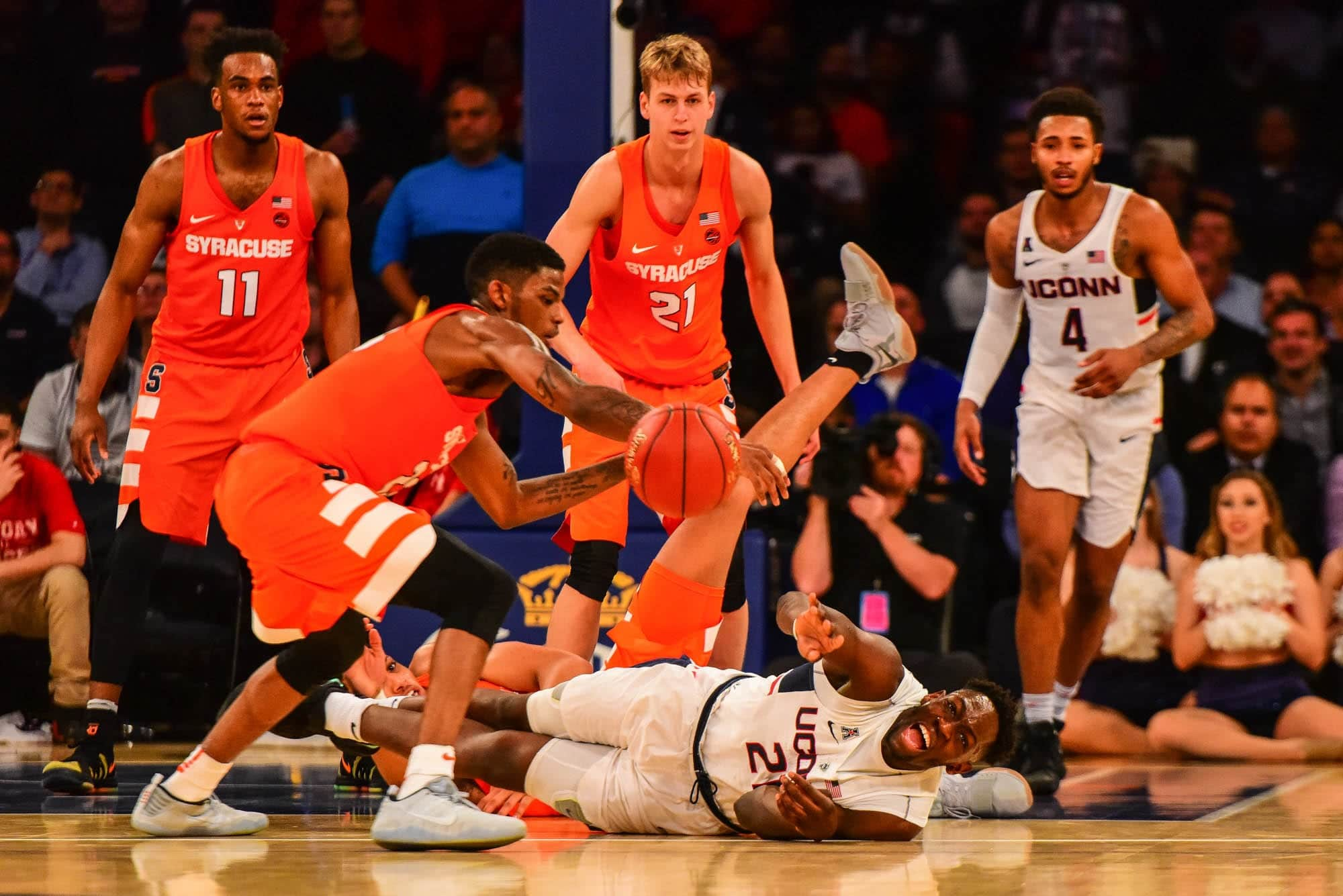 Syracuse vs. Connecticut - Dec. 5, 2017 - at Madison Square Garden, New York City