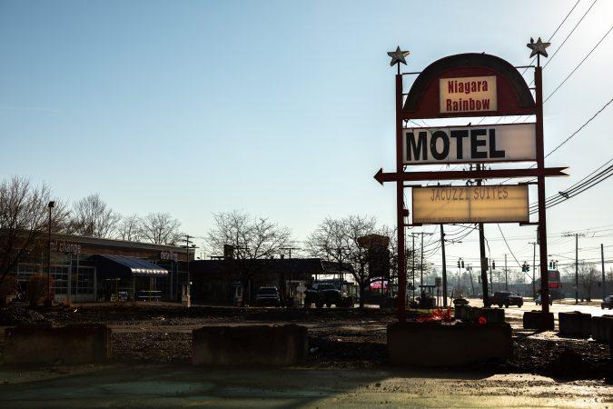 Niagara Rainbow Motel's sign