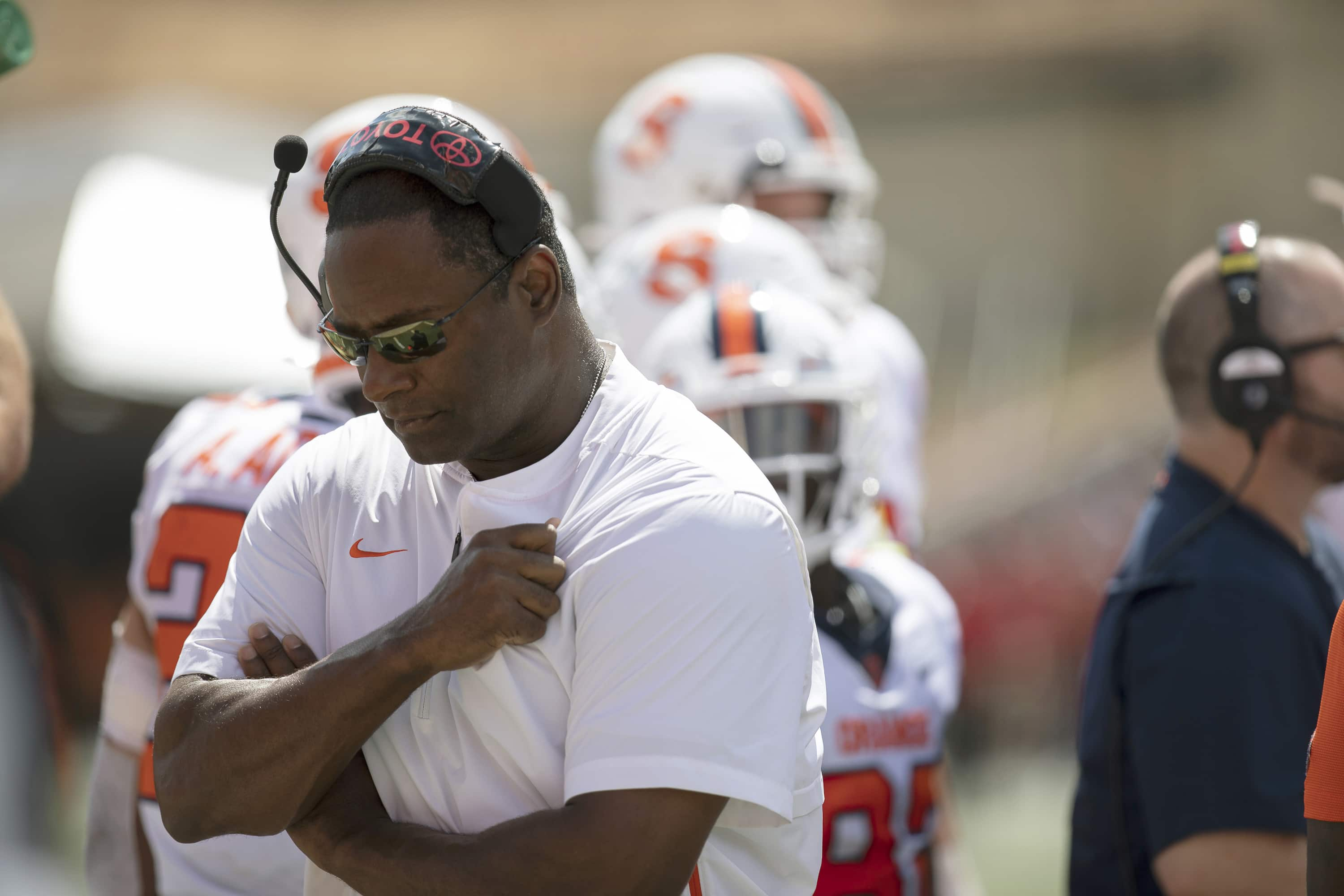 Dino Babers walks away from the offensive team during the first quarter vs. Maryland