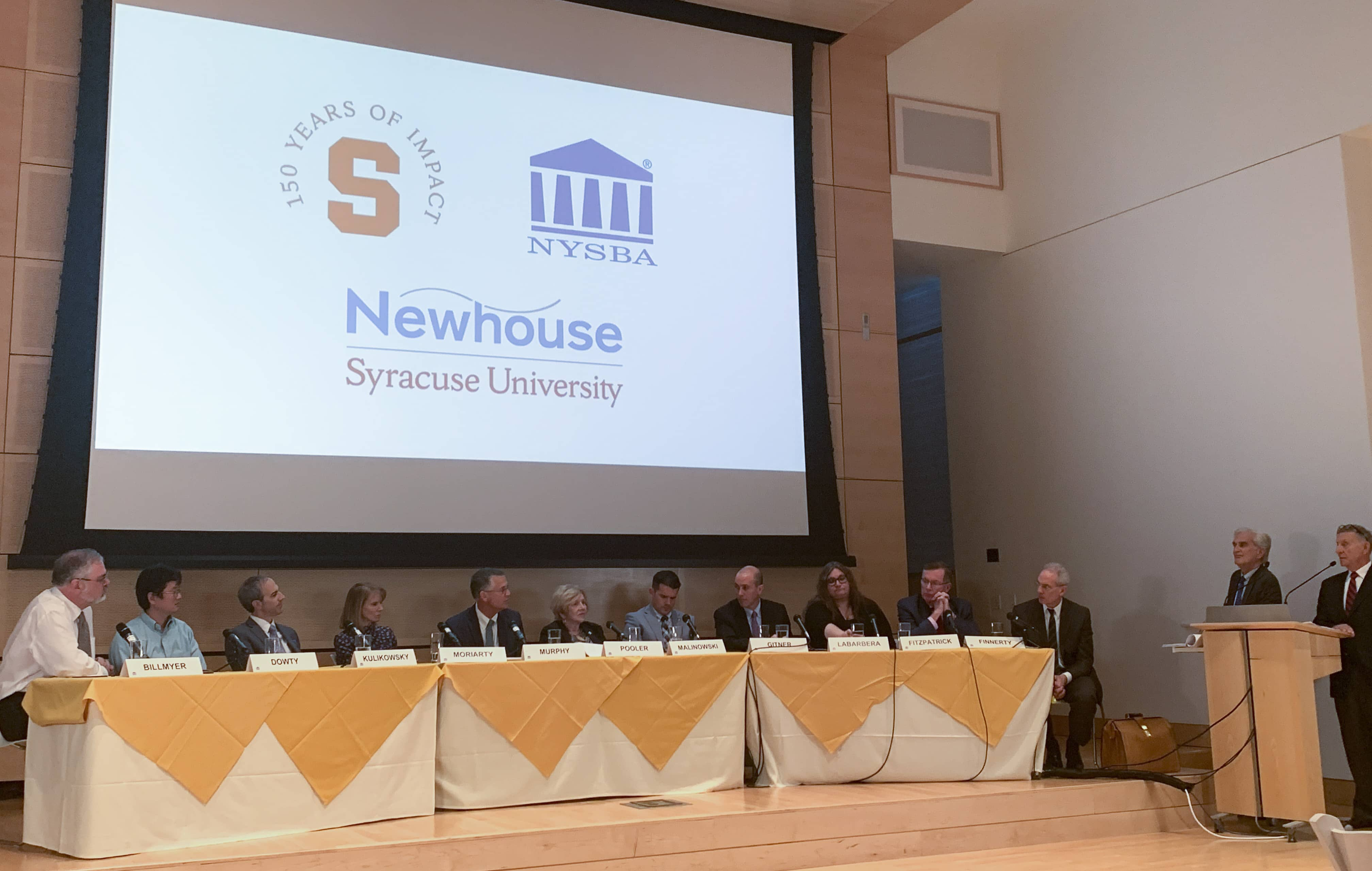 Journalists and lawyers discussed a hypothetical exploring issues involving the media, law enforcement, lawyers and the courts, with participation by an experienced panel and the audience at the New York Fair Trial Free Press Conference 2019 held at the Newhouse School.