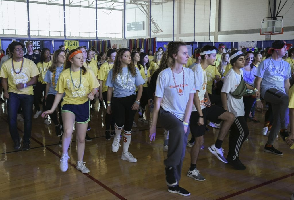 Ottothon 2019 featured a number of line dances, with the MCs leading the way.