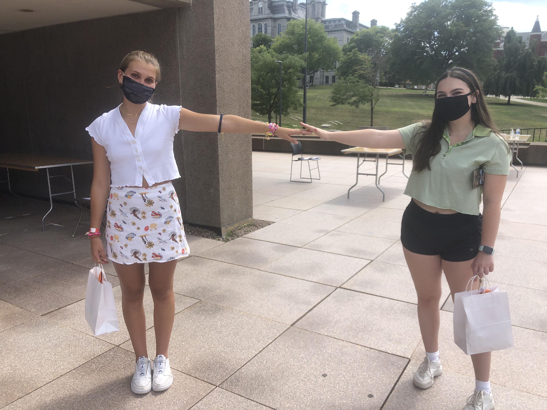 Cc-Gulbrandsen (left) and Jenny Destefano (right), Syracuse University freshmen