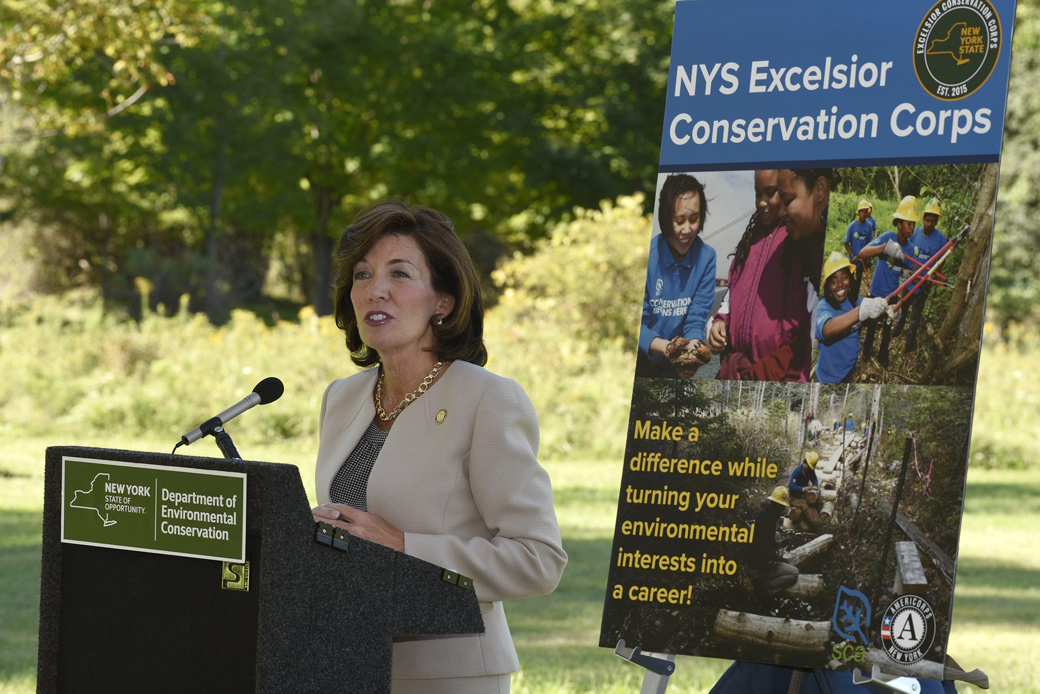 New York Lt. Gov. Kathy Hochul speaking at the state Excelsior Conservation Corps announcement in 2015.