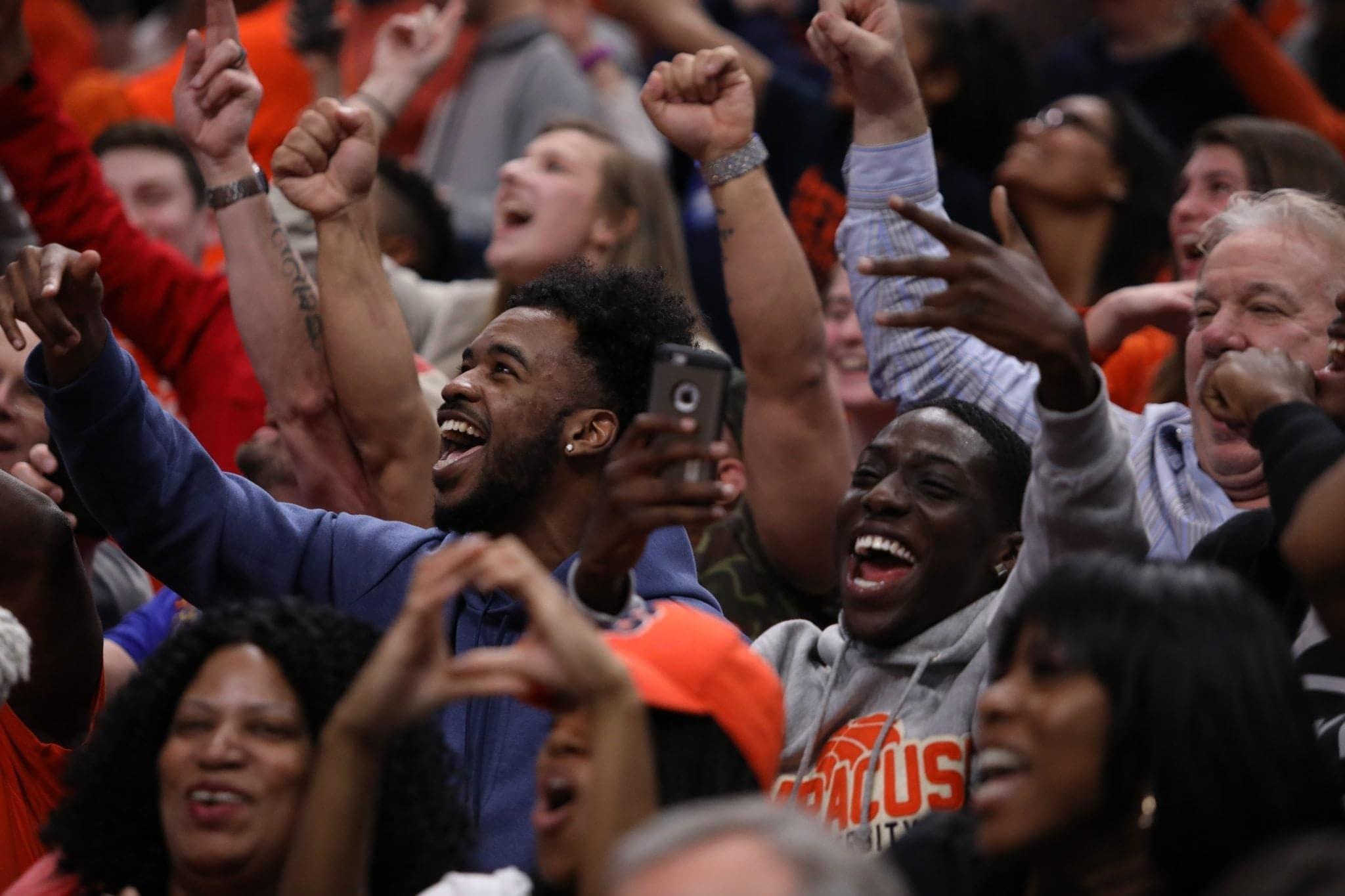 SU vs. Michigan State: Fans go wild with every shot SU makes.
