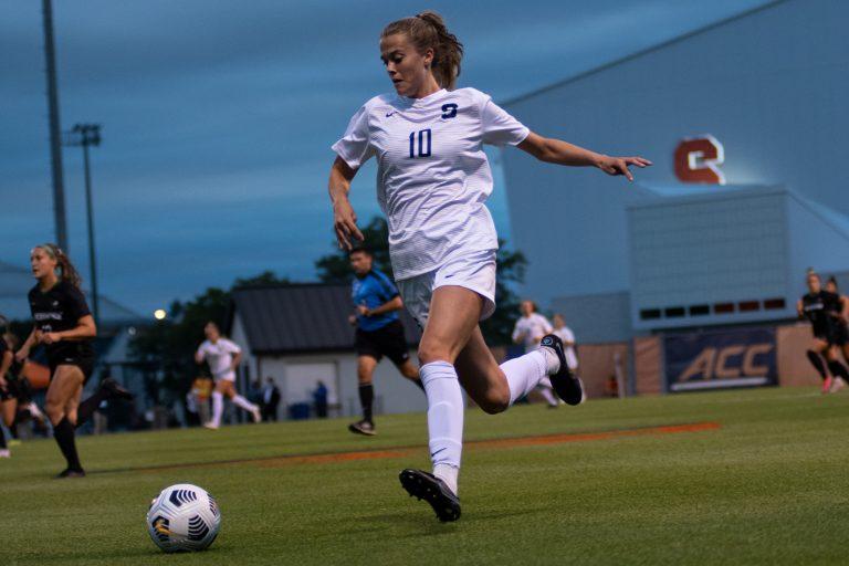 Syracuse Women's Soccer Sophomore sprints down the left wing versus Binghampton on 9/2/21.
