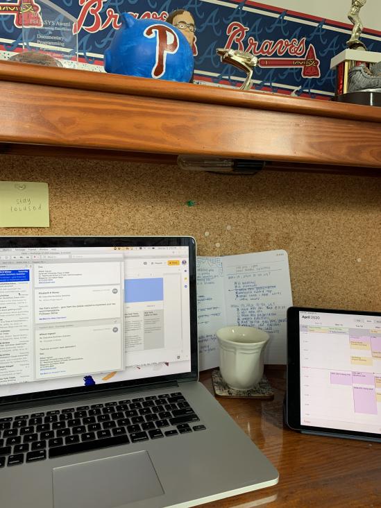 Allison Ingrum's desk for online classes