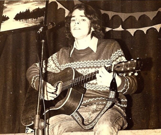 A 16-year-old Bill Benson performs